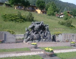 Stava_cimitero_ monumento_vittime 18062012
