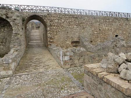 Un borgo e una fortezza - Civitella del Tronto