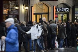 Svizzera, eliminato il tasso minimo di cambio