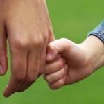 Troppi i bambini chiusi nelle comunità o dati in affido