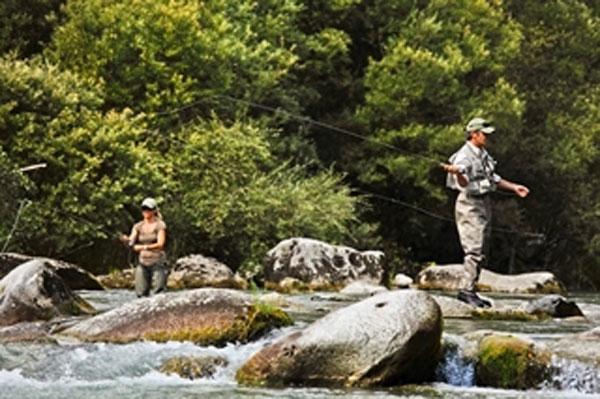 Pesca-a- mosca-trentino-fishing_alessandro-seletti_valle-dei-laghi