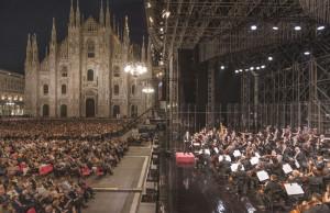 La-Filarmonica-concerto-milano-piazza-duomo