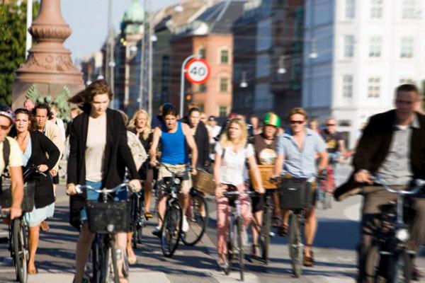 Urban-Public-Space-Copenaghen-cykler
