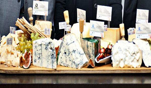 ParmigianoReggiano-e-Gorgonzola-_CHEESE_it's_Europe