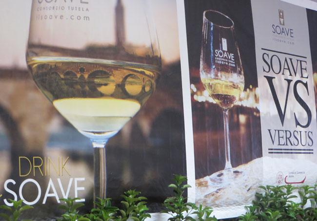 Soave nel calice un amabile vino bianco