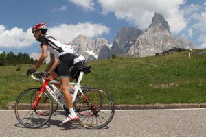 Sfondo Le Pale di San Martino, ciclismo ad alta quota