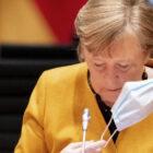 Merkel, senza visione europea una continua discesa