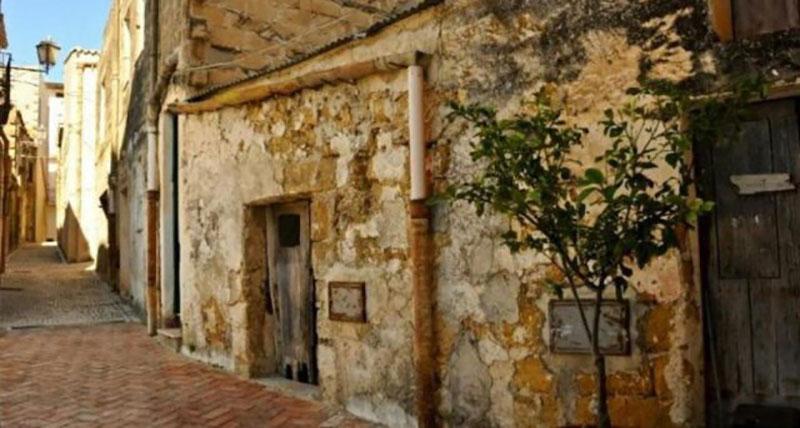 Case a 1 euro a borgo Castel di Lucio